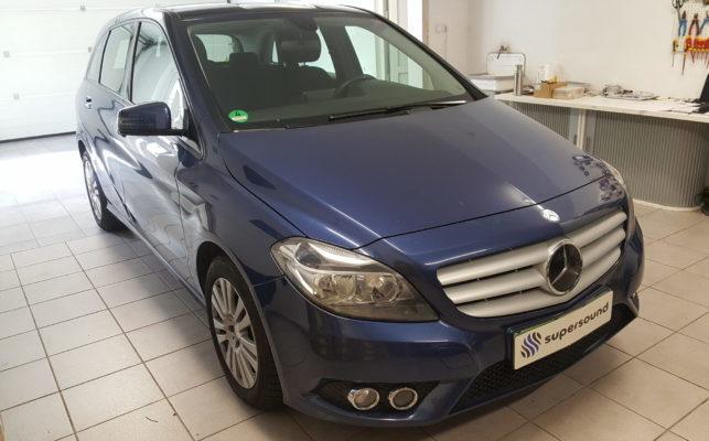Mercedes B vzvratna kamera